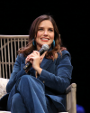 Sophia-Bush-at-the-Chicago-HelloSunshinexTogetherLive_006.png