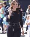 Sophia-Bush-on-Extra-TV_020.jpg