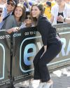 Sophia-Bush-on-Extra-TV_033.jpg