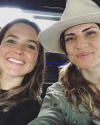 20-Aout-2017-Sophia-Bush-and-Ruthie-Lindsey.png